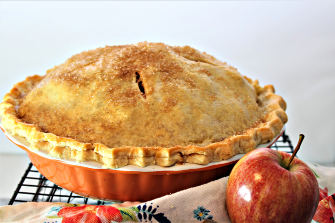 Texas Best Mile High Apple Pie