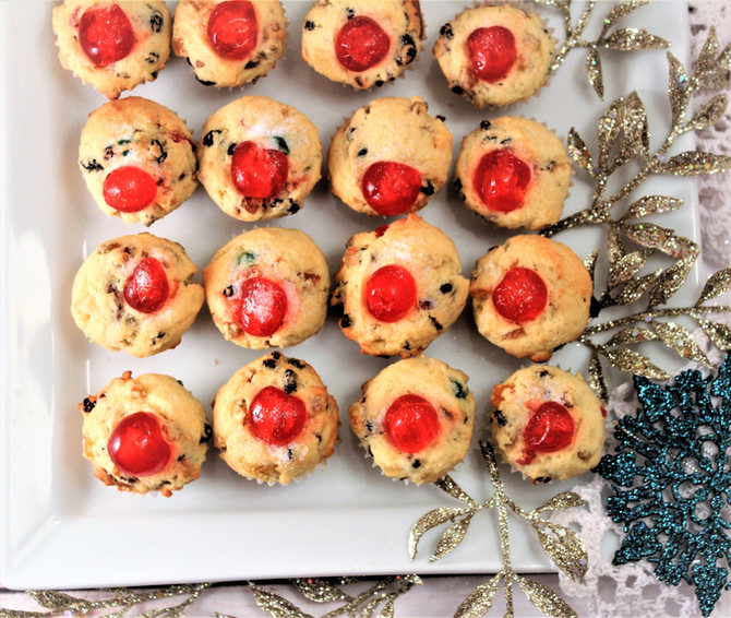 Light Fruitcake Cupcakes