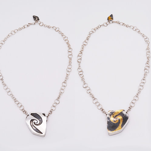 Infinity Hollow Formed Reversible Necklace