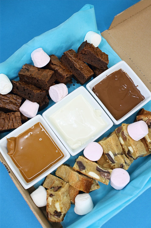 XL Brownie and Cookie Bar Dipping Box (12x Brownies 12x Cookie Bar Bites)