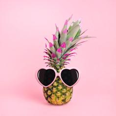 pineapple-wearing-sunglasses-juj-winn.jp