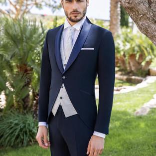 Smoking da sposo blu con revers a scialle Scribano Prive'