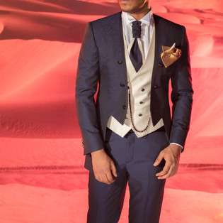 Frac blu con gilet e cravattone abbinato avorio Petrelli cerimonia