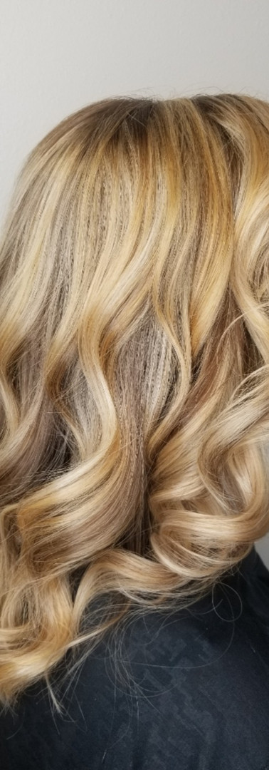 Golden Blonde Highlights with Carmel Lowlights