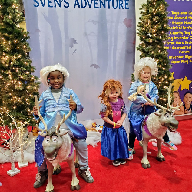 2019 Fair 3 kids dressed up in Frozen ph