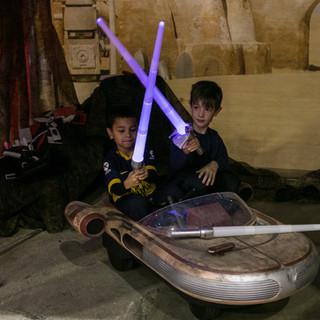2019 Fair 2 boys Star Wars crossing swor