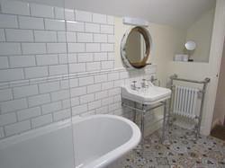 Astute bathroom