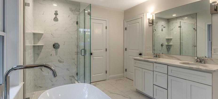 23_Bathroom-6.jpg