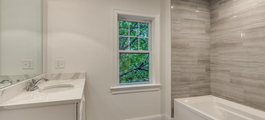 27_Bathroom-7.jpg