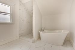 30_Bathroom2-2