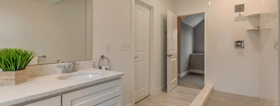 30_Bathroom2-2.jpg