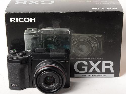 Ricoh GXR Kit