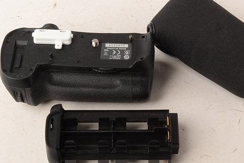 Nikon MB-D12