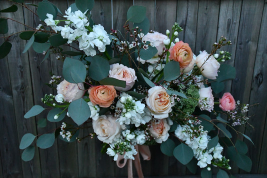soft and sultry bridal bouquet