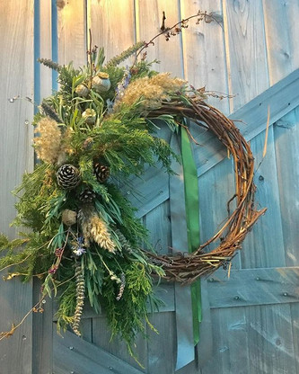 time to deck the halls! #wreath #handmad