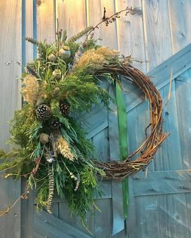 time to deck the halls! #wreath #handmad