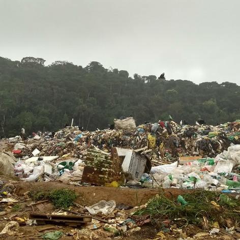 Visita a lixões