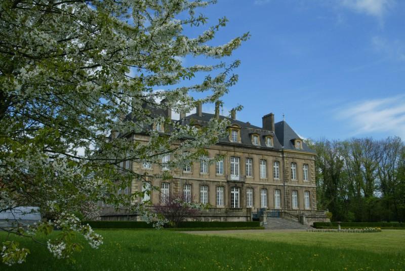 Chateau de Manom