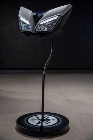 מנורת שולחן מחלקי אופנוע ימאהה