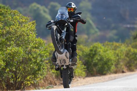 צלום אופנוע בווילי