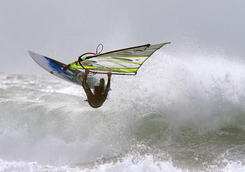 גולש רוח בסערה