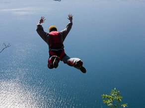 רד בול באגם lago di garda שבאיטליה