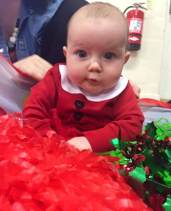 7 Ways You Can Treasure Your Baby's First Christmas