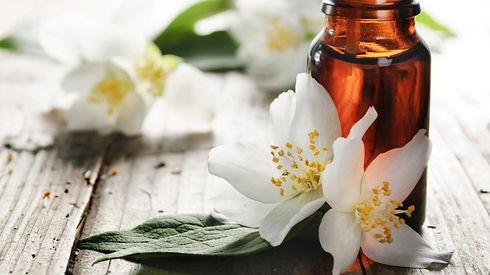 huile-essentielle-parfum.jpg