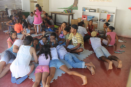 #terradeleitura #baralhodehisórias #incentivoàleitura #institutoarteitaporanga #iai