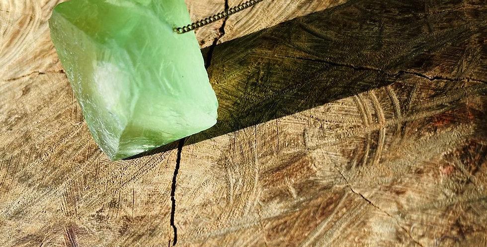 Fluorita Octaedra Verde Grande corrente de prata longa