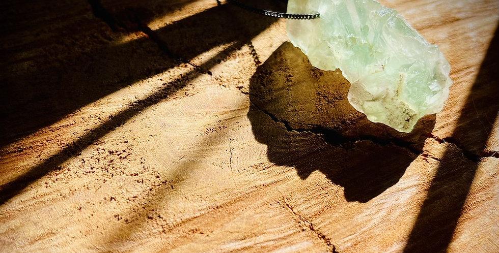 Fluorita Verde corrente de prata longa oxidada