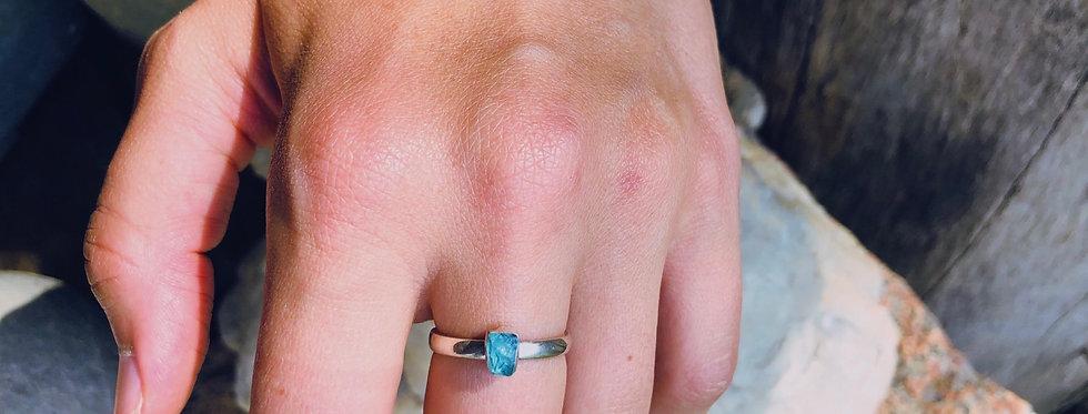 Apatita Africana anel solitário de prata