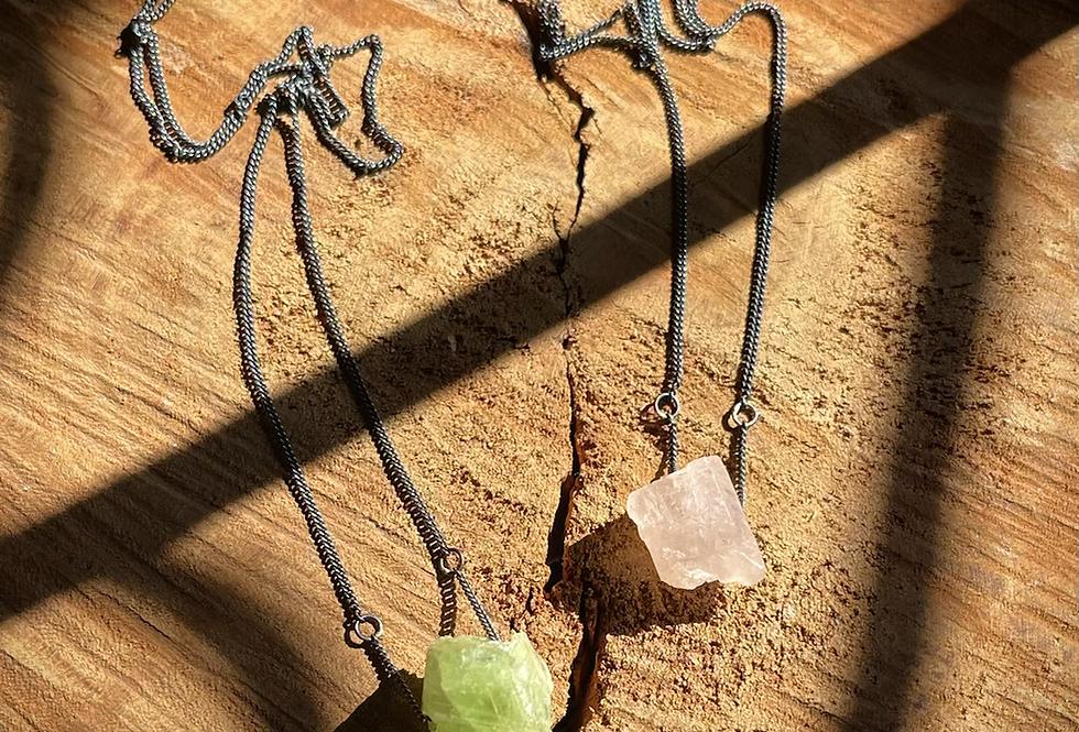 Turmalina Rosa e Turmalina Verde escapulário de prata oxidado