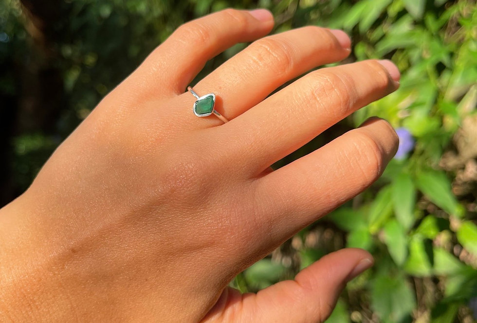 Esmeralda anel de prata