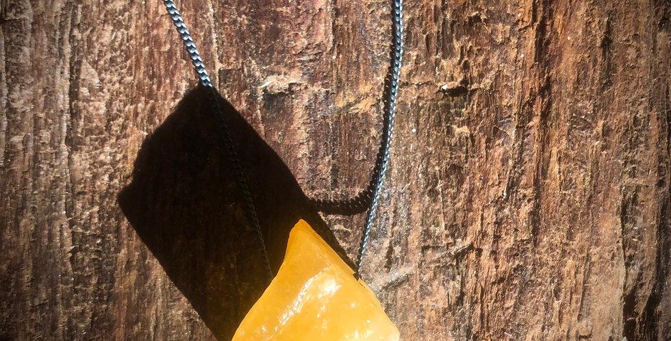 Calcita Amarela corrente de prata oxidada longa
