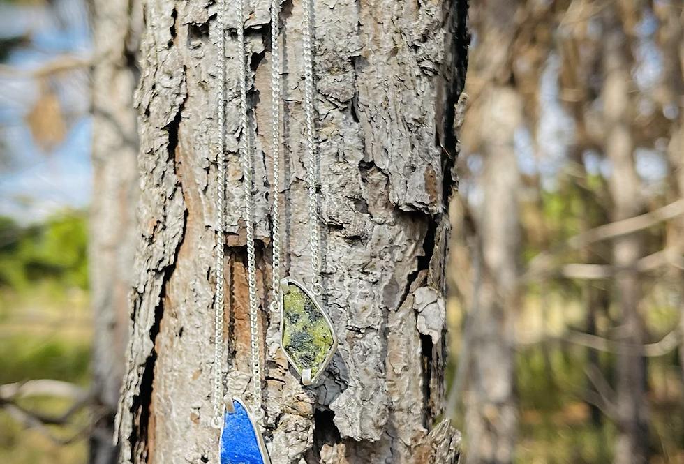 Lápis Lazuli e Nefrita escapulário moldura de prata
