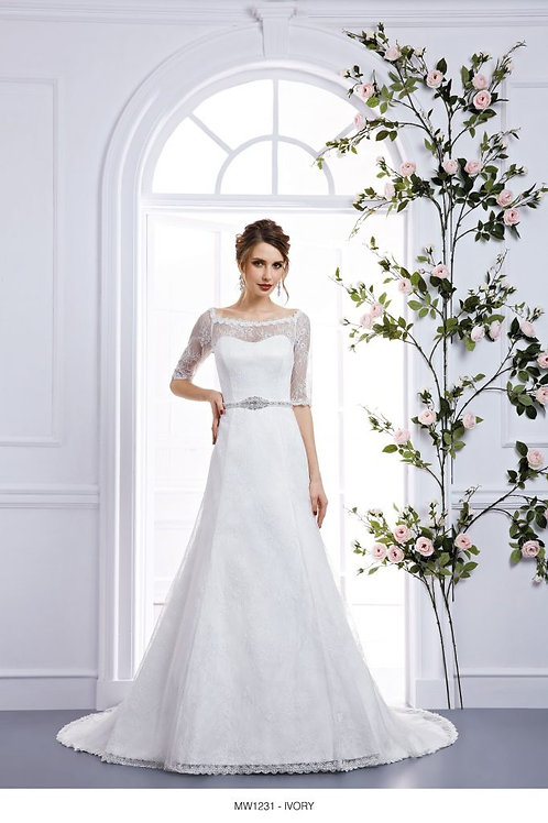 ICMW1231 Bronte Size 18 in Ivory