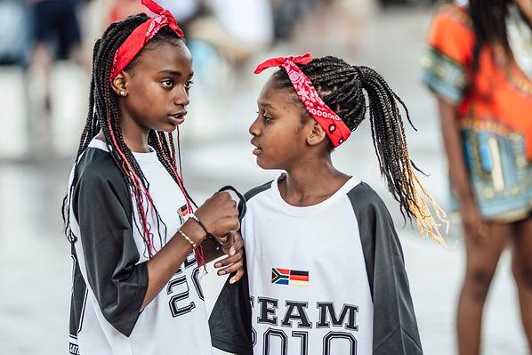 girls-teenage-girls-teens-teenagers-afro