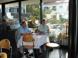 Restaurant+Inside-753001572-O