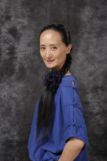 [中][ENG] 專訪中國國家芭蕾舞團馮英-跨越文化與傳統   Leaping Across Cultures and Conventions: An Interview with Feng Ying
