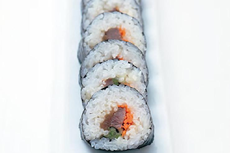 牛肉とかんぴょうののりまき寿司 ―Beef and Kanpyo Sushi