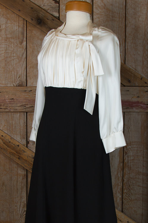 Suzy Chin Dress in Black and Ivory