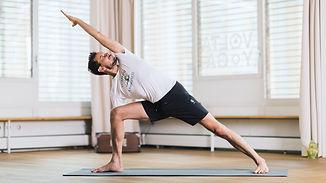 Hatha Yoga in basel | Nico Krättli