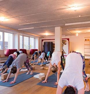 Yoga-Kurse in Basel | VOLTA YOGA