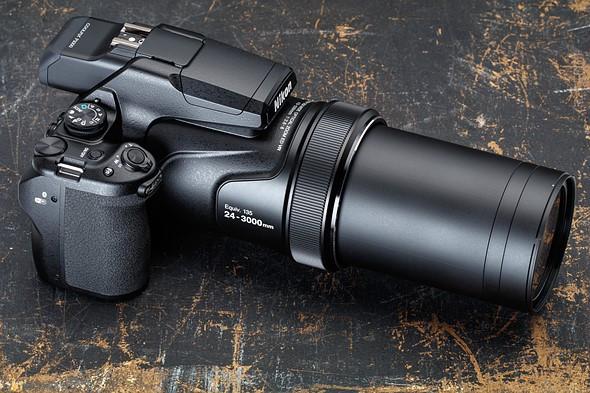A incrível Nikon P1000 com seu superzoom de 125x... Será?