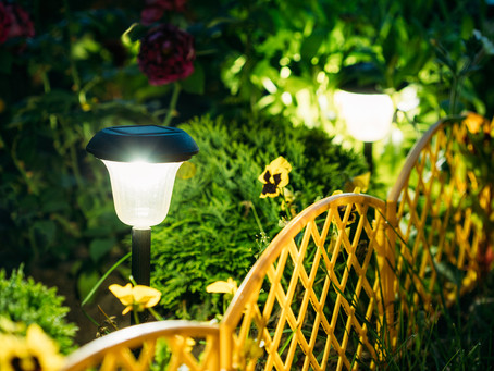 9 garden lighting techniques used by designers: