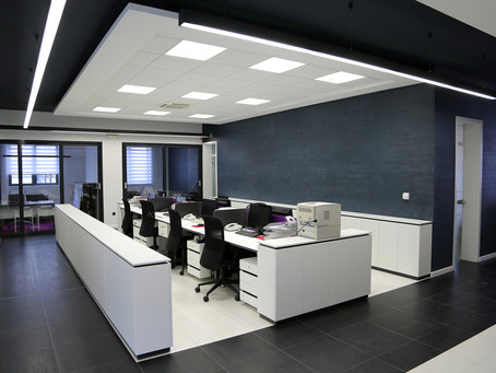 10 Tips to choose the right lighting for an office