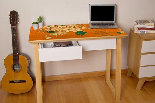 Escritorio Flores Naranja