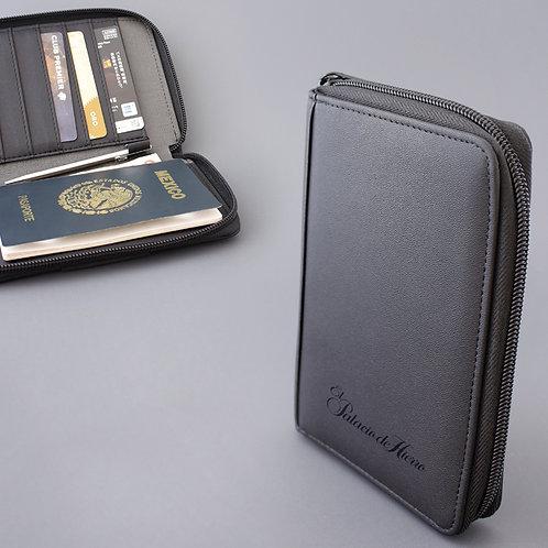Porta Pasaporte Takayama Kuma