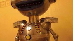 Говорящий электронный робот «Анекдоша» с автоматической загрузкой анекдотов из сети Интернет